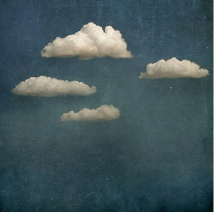 Picture from  A way to blue : Jr Goldwin in Clouds